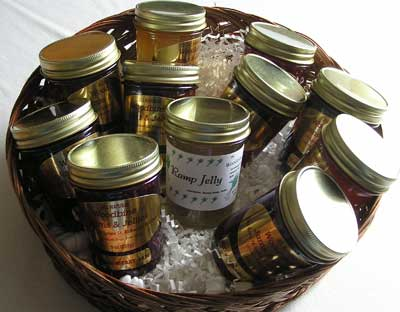 Woodbiene Jams & Jellies Basket